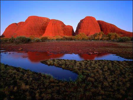 Hòn đá cát nổi tiếng Uluru (đá Ayers)