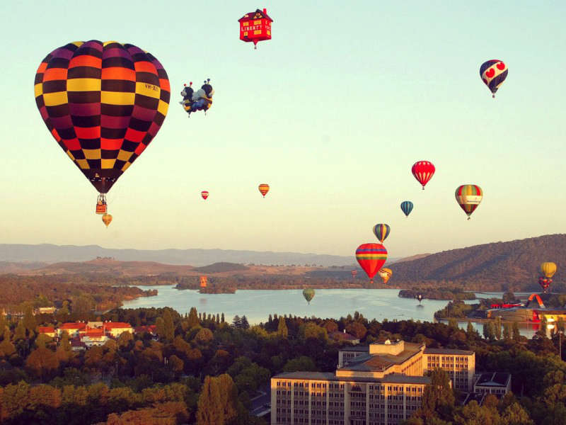 Bay lên trời khám phá thủ đô của ÚcCanberra