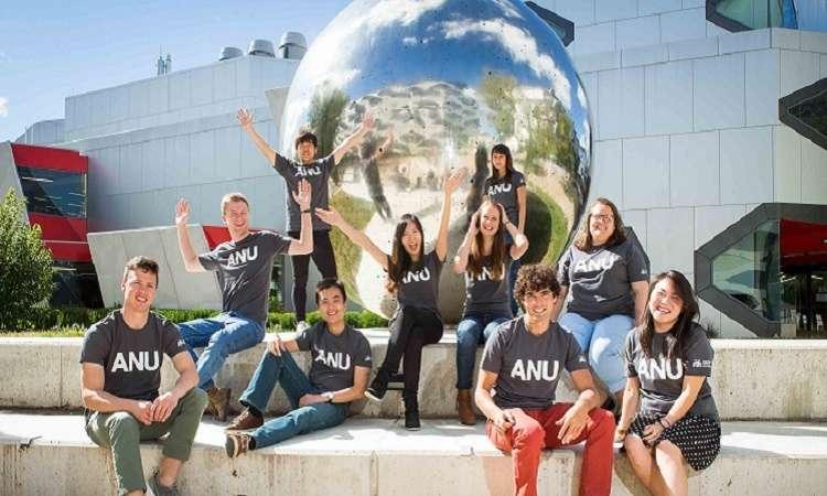 Học bổng ĐH Quốc gia Úc Community Engagement Award