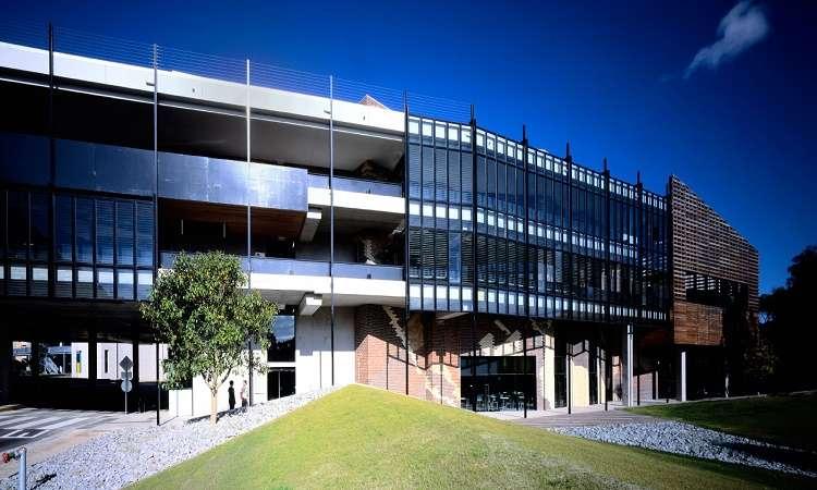 Học bổng cử nhân ĐH Deakin Úc ngành điều dưỡng và thương mại 2018