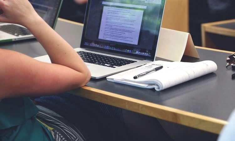Lỗi làm bài luận xin học bổng du học Úc khiến đơn bị chối từ