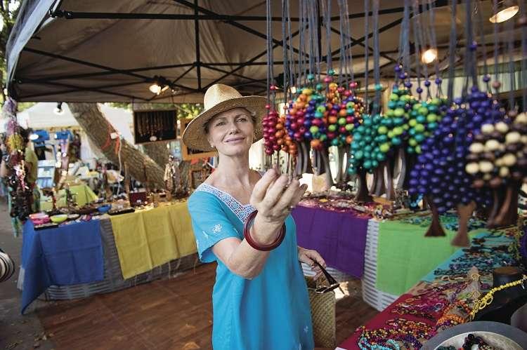 Chợ Parap bày bánsản phẩm thủ công địa phương