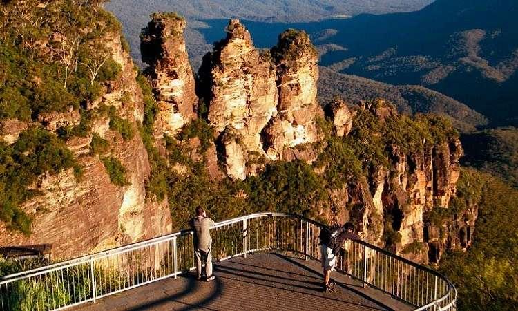 Không thể bỏ qua núi ba chị em Three Sisters khi du lịch Úc