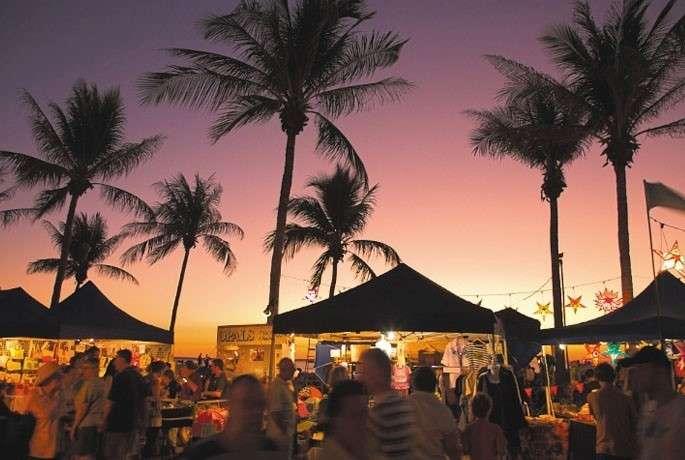 Chợ hoàng hôn trên bãi biển Mindil Darwin