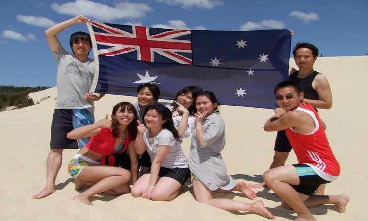 Ở lại Úc làm việc sau khi học khó không, cần visa nào để ở lại?