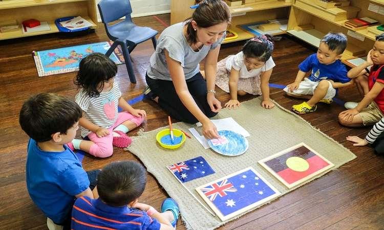 Chi phí dịch vụ giữ trẻ ở Úc