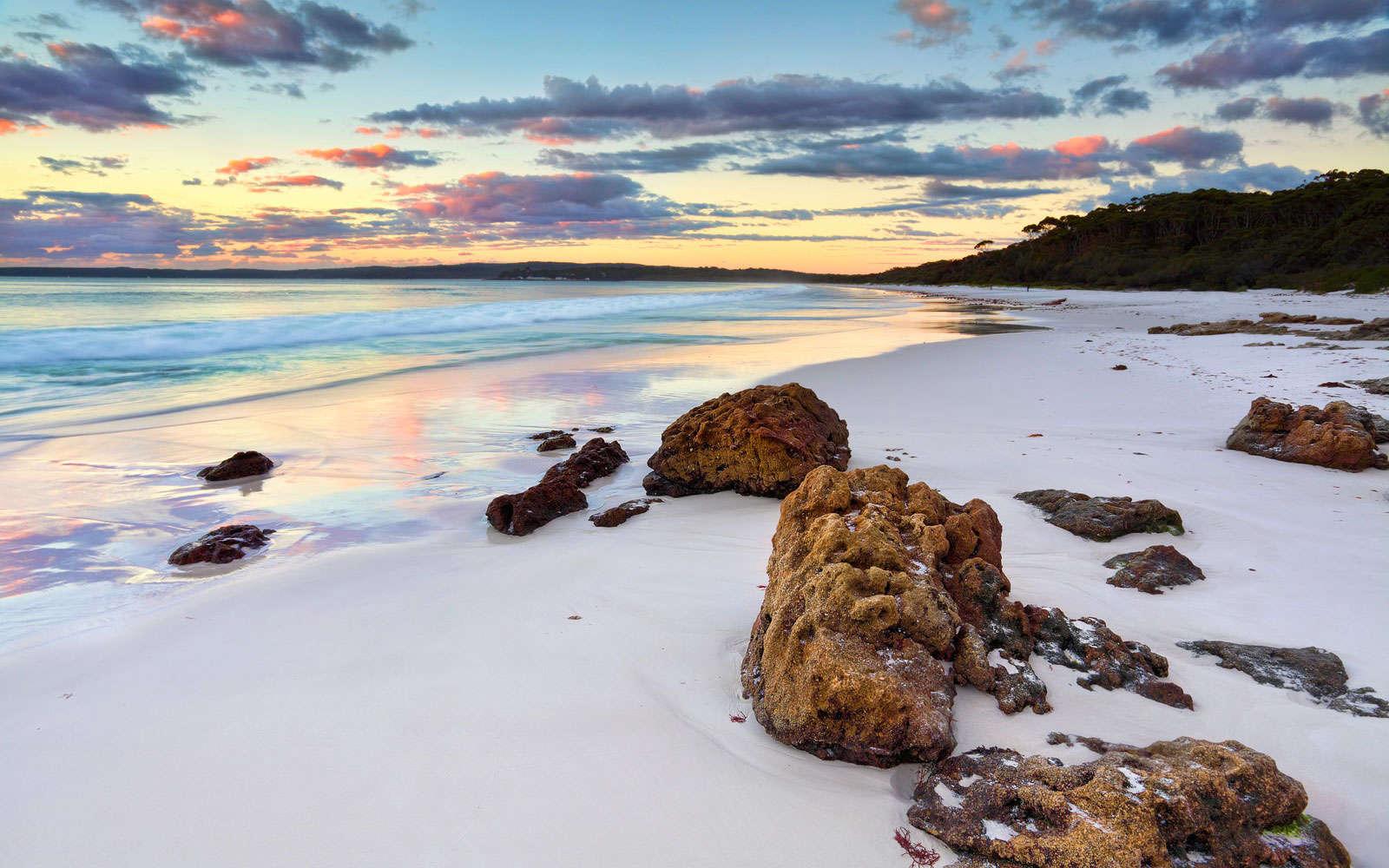 Bãi biển Hyams Beach Australia có bãi cát trắng nhất thế giới