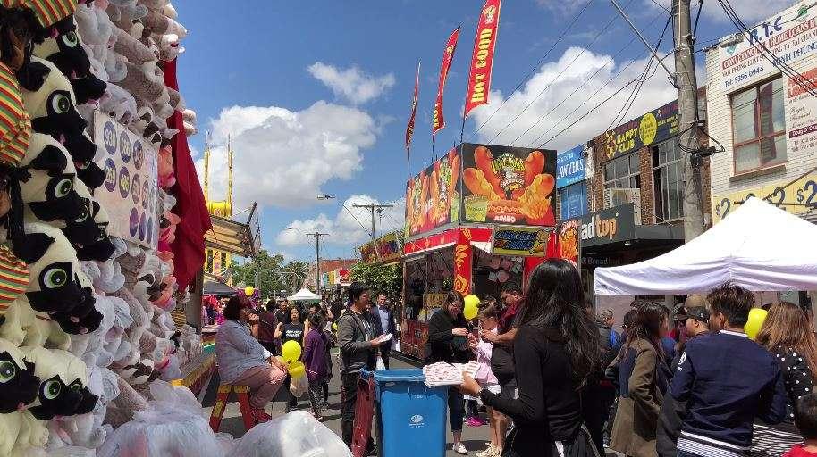 Lệ hội Tết thu hút nhiều người ghé đến