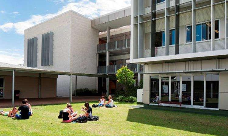Các trường cao đẳng bang Queensland Úc