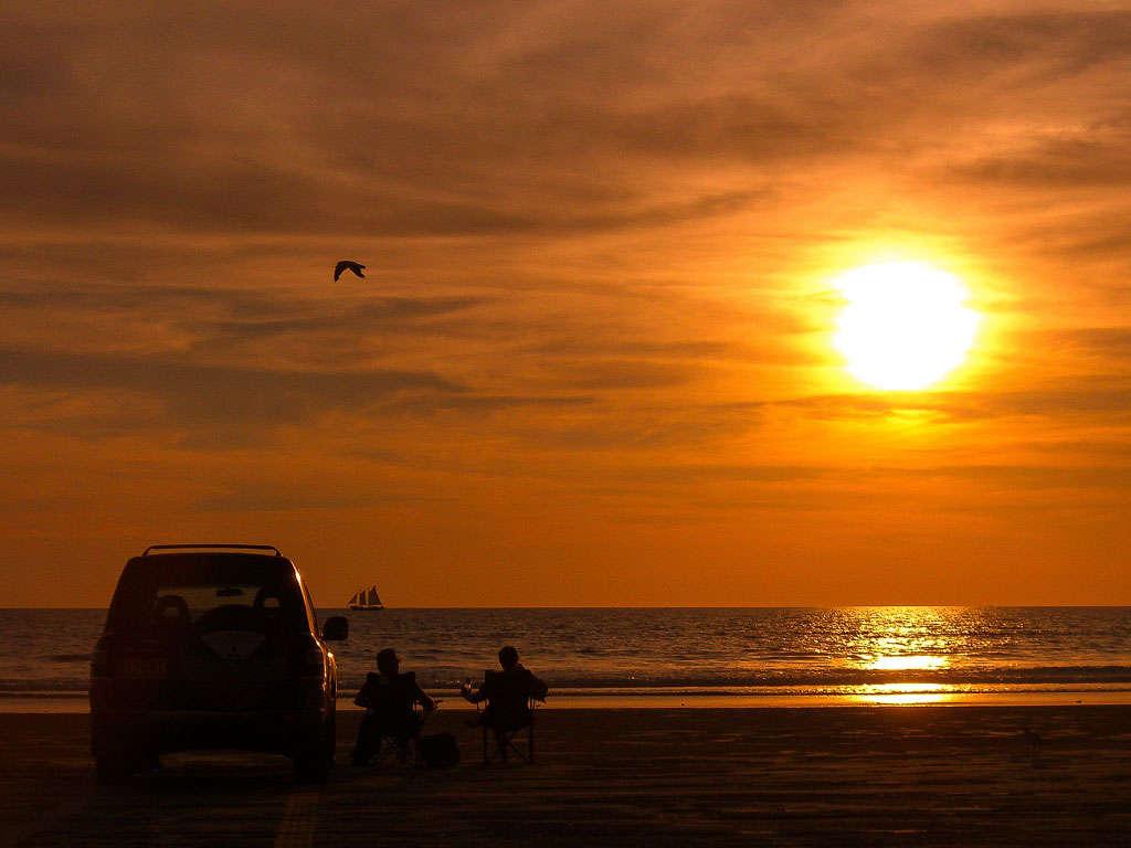 Bãi biển Cablenổi tiếng là nơi ngắm hoàng hôn tuyệt đẹpnhất Úc