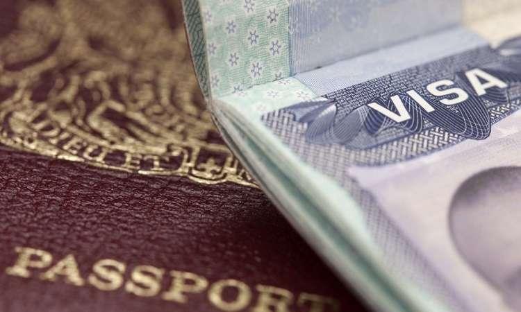 Hậu quả làm giấy tờ giả để định cư Úc bị cấm vào Úc ít nhất 3 năm
