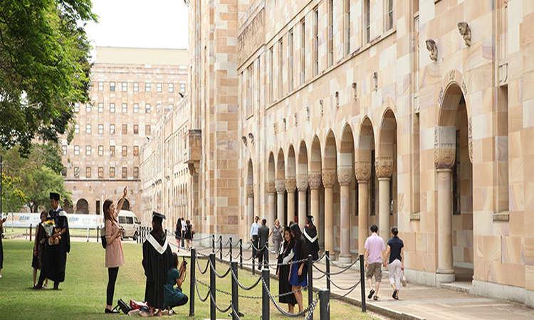 Học bổng Cử nhân Úc Đại học Queensland 2018 giảm 50% học phí!