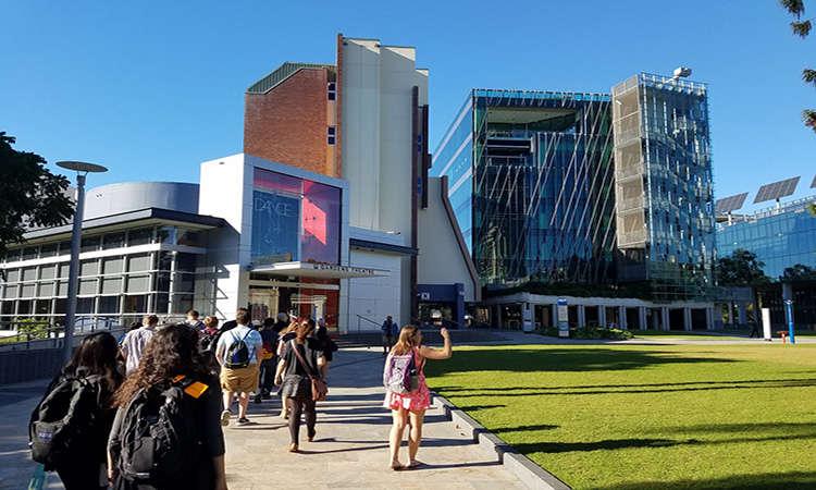 Học bổng Úc ĐH Công nghệ Queensland nghiên cứu ngành Hóa học 2018 - Cover
