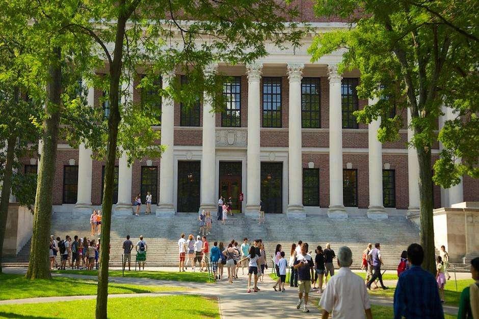 Đại học Havard nằm trong sốtrường kinh doanh tốt nhất thế giới