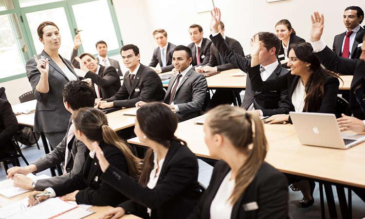 Danh sách các trường Úc ngành quản trị kinh doanh chi phí rẻ