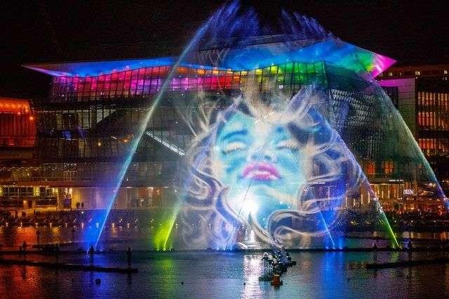 Hình ảnh ánh sáng 3D tại cảng Darling đầy ảo ảnh