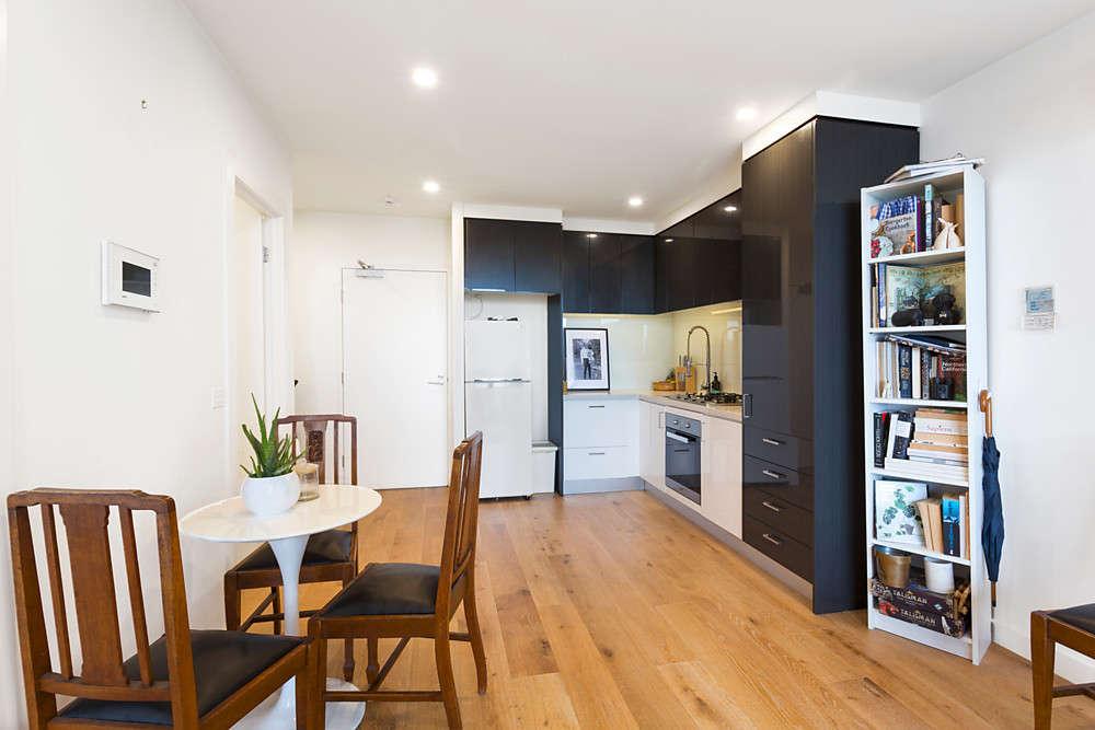 Phòng bếp được thiết kế với không gian mở
