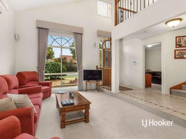 Phòng khách của ngôi nhà ởSeabrook Victoria khárộng rãi