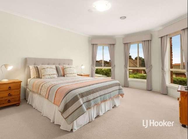 Phòng ngủ lớn đầy đủ tiện ích