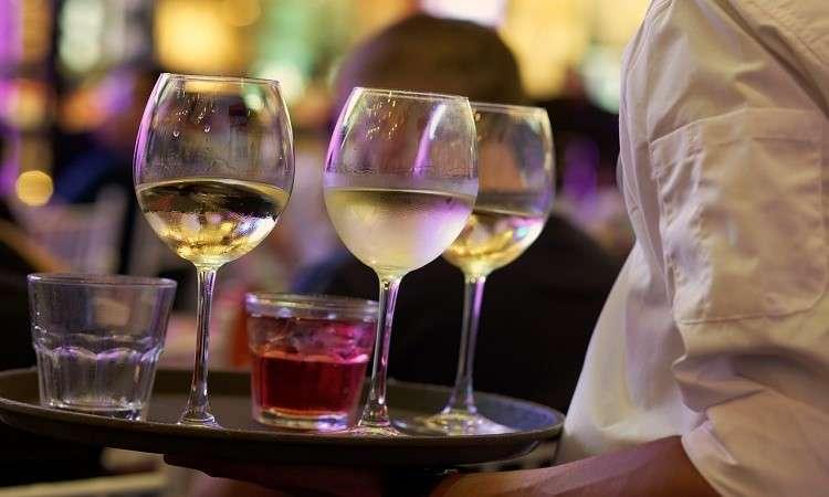 Bằng RSA tăng cơ hội làm thêm ở nhà hàng, khách sạn Úc