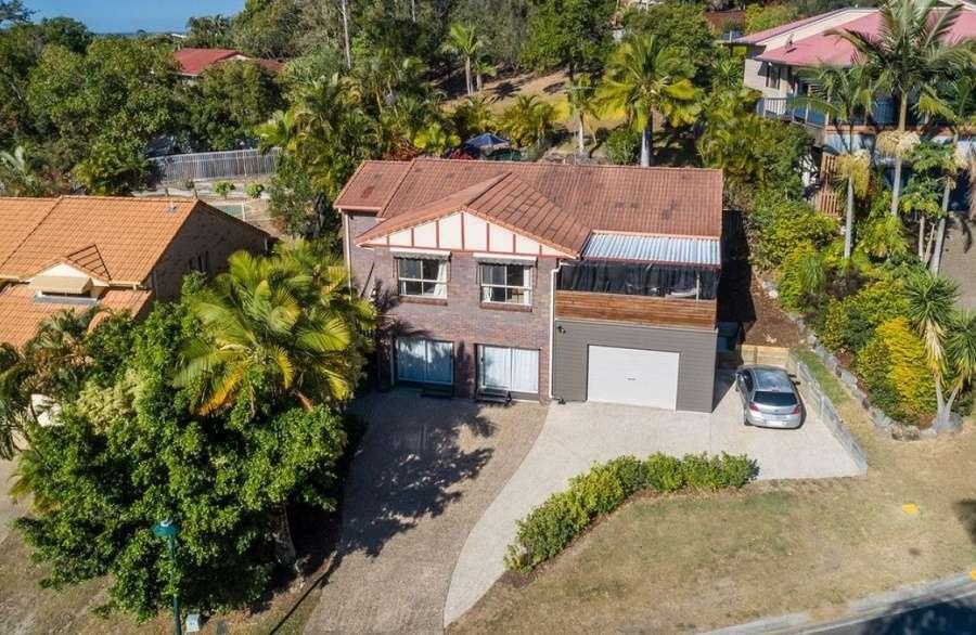 Bên ngoài ngôi nhà ở Úc bang Queensland ngoại ô Pacific Pines