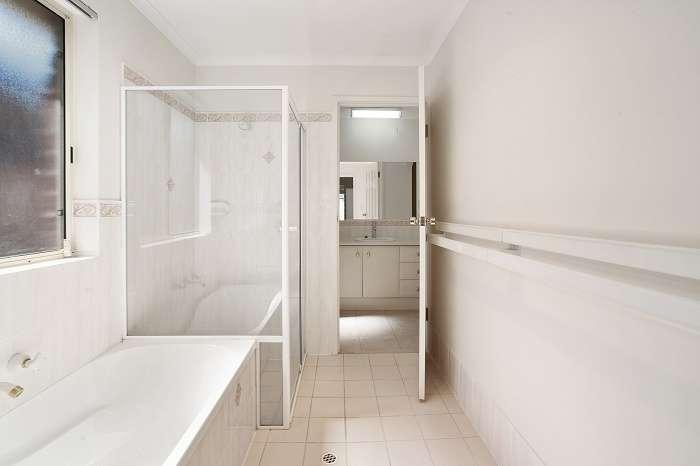 Nhà tắm và nhà vệ sinh tách biệt