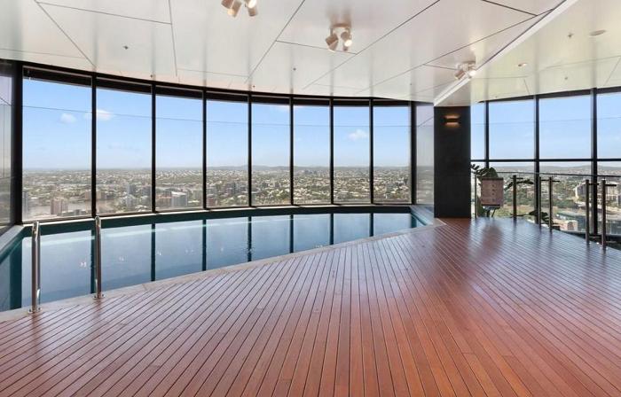 Bạn có thể sử dụng hồ bơi của tòa nhà