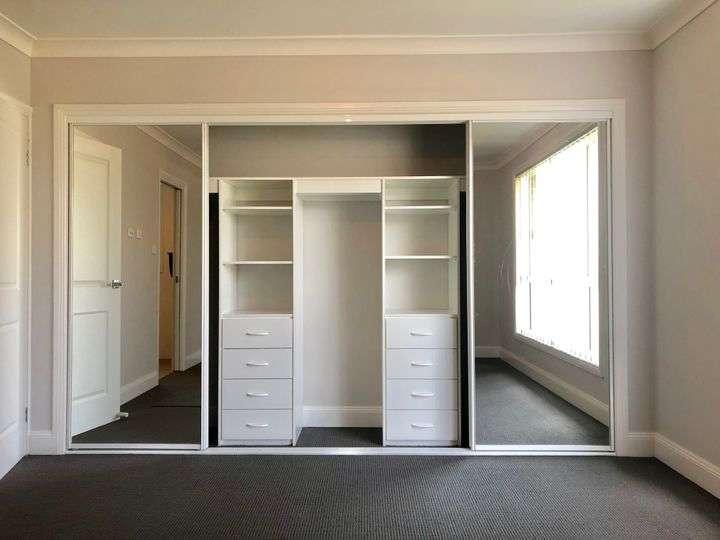 Các phòng đều rộng rãi, đủ không gian lưu trữ đồ