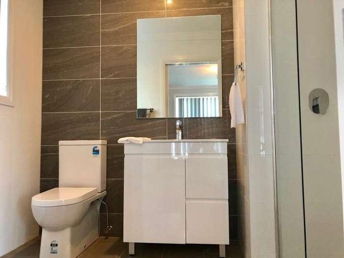 Phòng tắmđược thiết kế với nội thất hiện đại