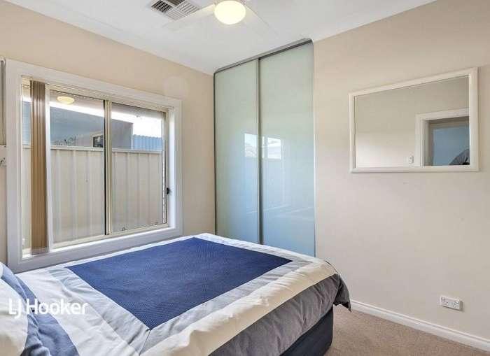 Phòng ngủ có tủ quần áo âm tường