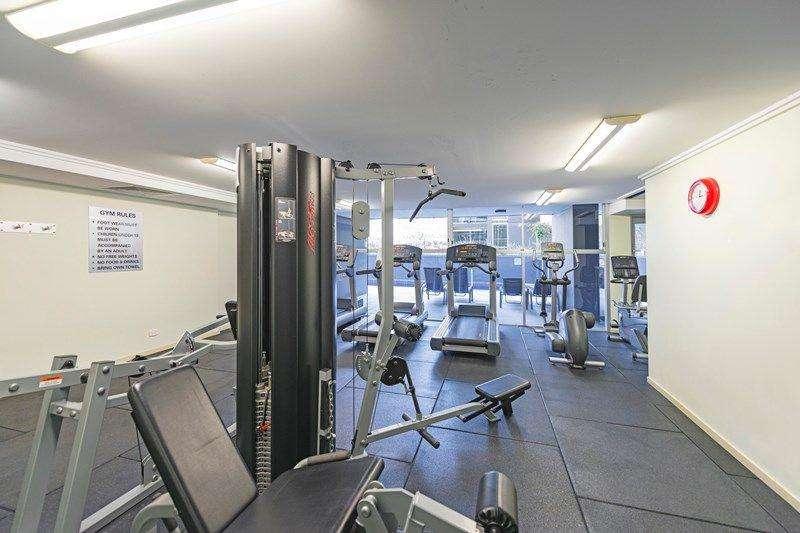 Phòng tập thể dục tòa nhà trang bị đầy đủ thiết bị