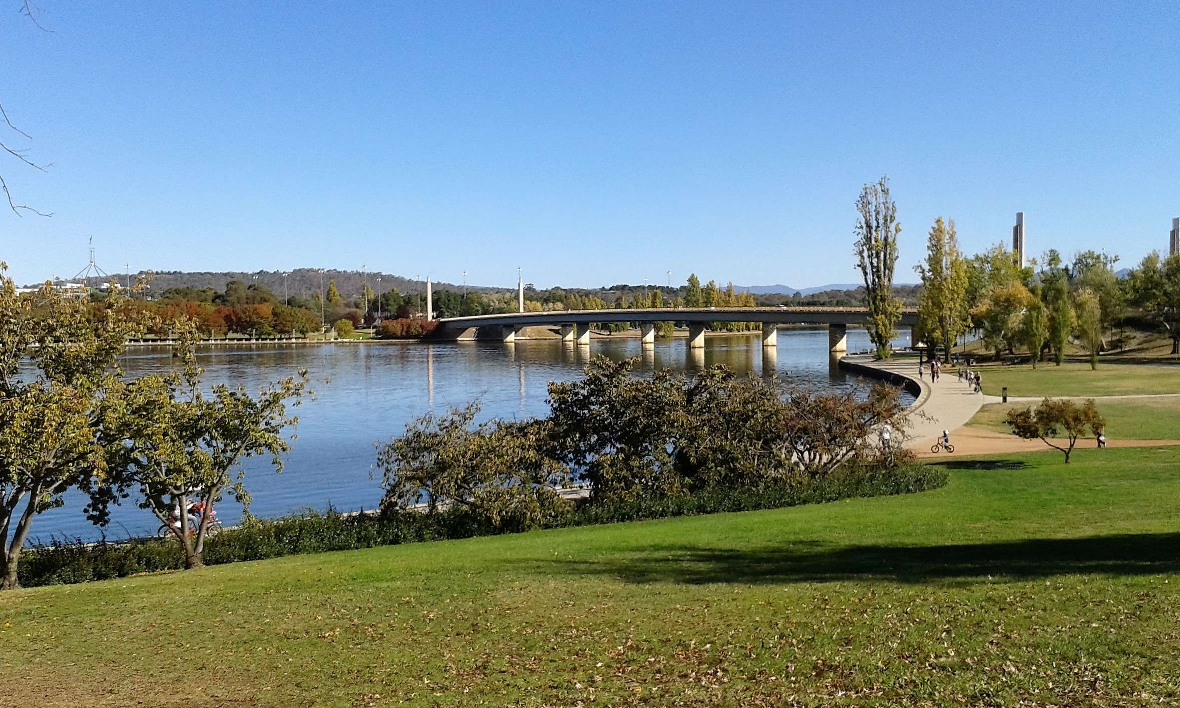 Công viên Commonwealth Park ở Canberra vô cùng trong lành