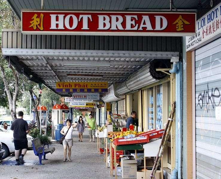 Ghé thăm khu chợ người Việt để thưởng thức món ăn quê nhà