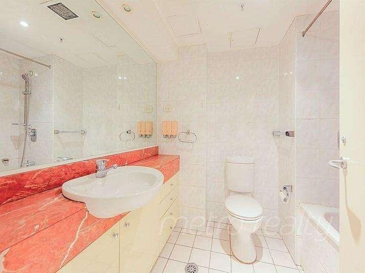 Phòng tắm khép kín sang trọng cóbồn tắm