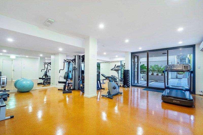 Phòng tập thể dục đầy đủ tiện nghi