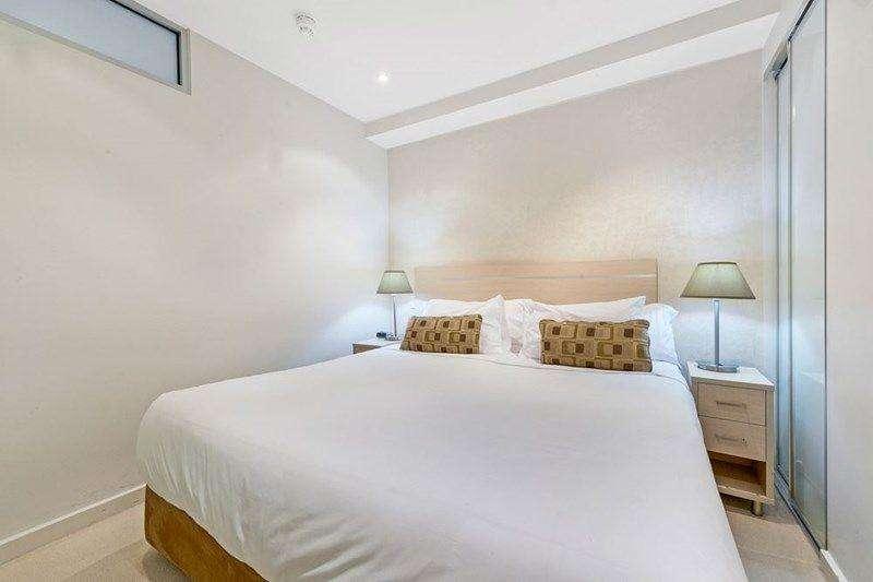 Phòng ngủ lớn đủ rộng rãi