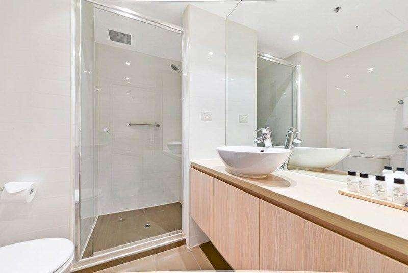 Phòng tắm trang nhã, hiện đại