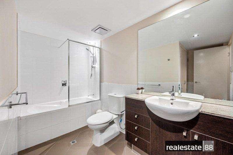 Không gian phòng tắm thứ hai của ngôi nhà