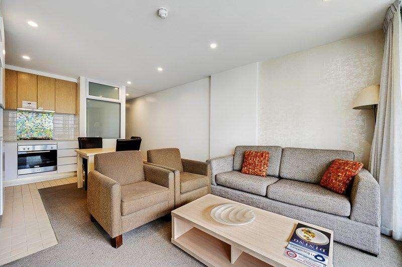 Phòng khách, nhà bếp, phòng ăn không gian mở linh hoạt