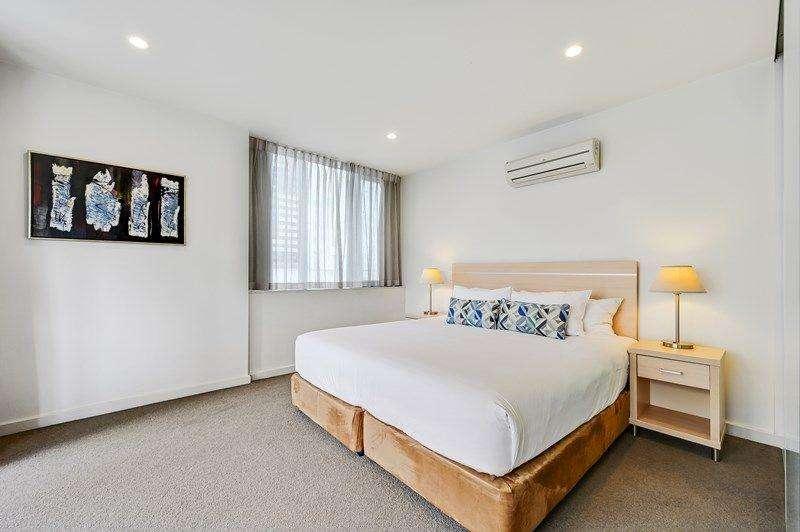 Phòng ngủ có đủ ánh sáng nhờ vàocửa sổ