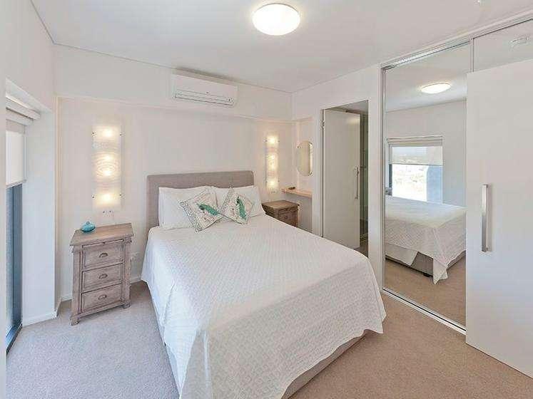 Phòng ngủ đủ rộng rãi và tràn đầy ánh sáng