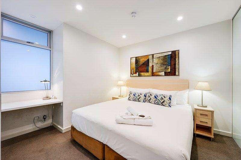 Phòng ngủ thứ hai nhỏ hơn nhưng không tạo cảm giác chật chội
