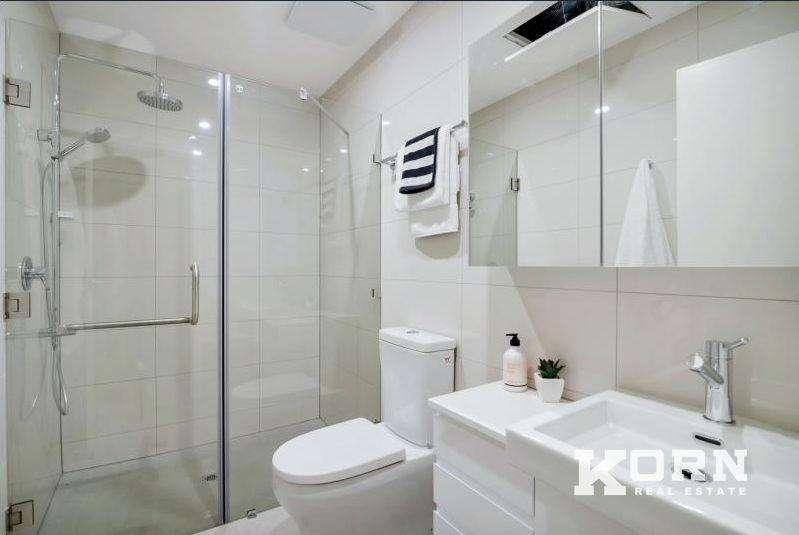 Phòng tắm với các thiết bị cao cấp