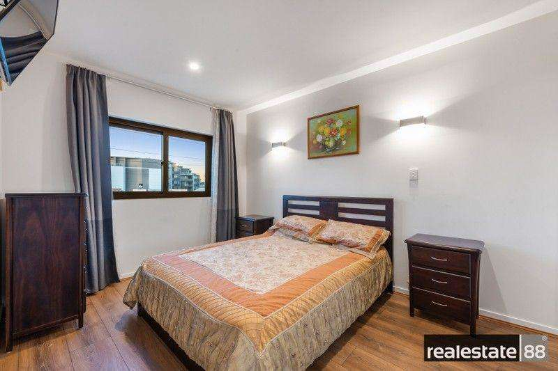 Phòng ngủ có cửa sổ chiếu sáng