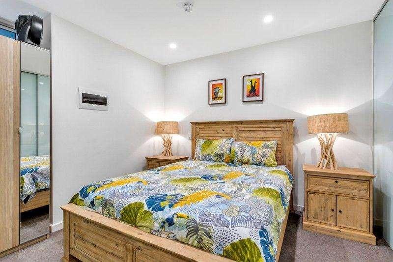 Phòng ngủ đủ rộng rãi, có tủ quần áo âm tường
