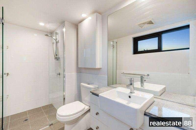 Phòng tắm có vòi hoa sen