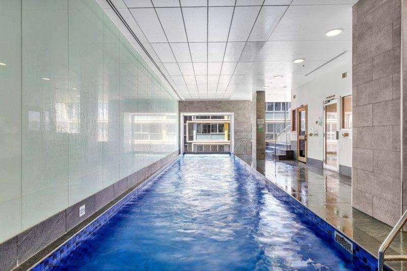 Tòa nhà chung cư ở Adelaide có hồ bơi trong nhà